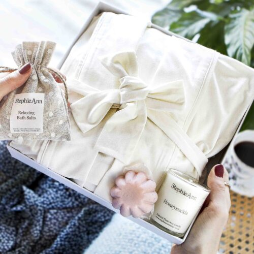 StephieAnn Pamper Time Gift Set with Robe, Bath and Beauty