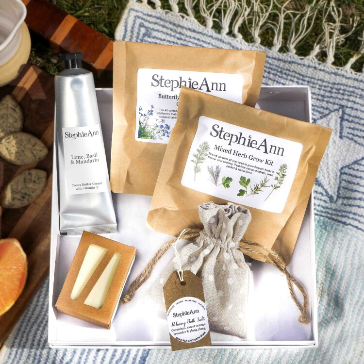 Pamper and Plant Gardeners Gift Box